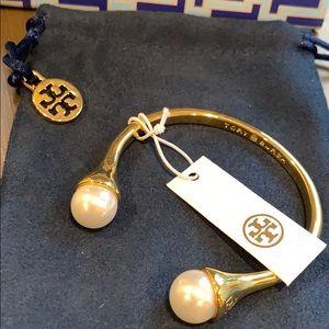⬇️$135 Tory Burch gold  pearl cuff w embossing